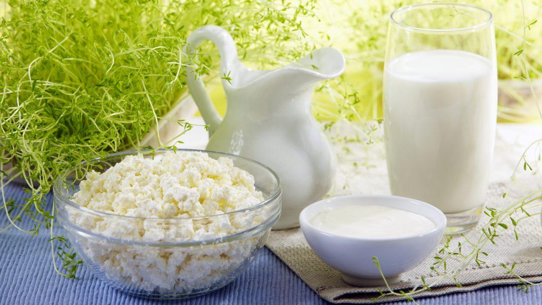 Українським виробникам молока поки не варто сподіватись на світові ринки через зниження цін на них